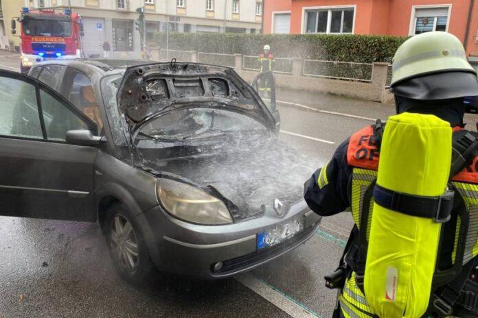 Offenburg – Renault Van in Innenstadt ausgebrannt