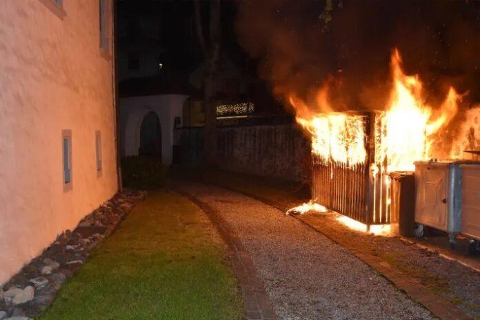 Zeugenaufruf in Stans NW – Brand eines Abfallunterstands